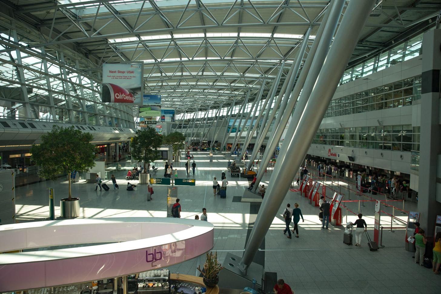 Vertrekhal van Düsseldorf Airport